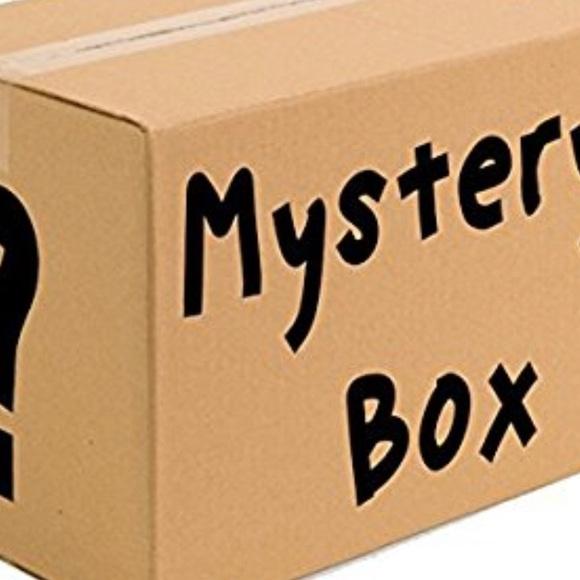 Vsco girl mystery box NWT